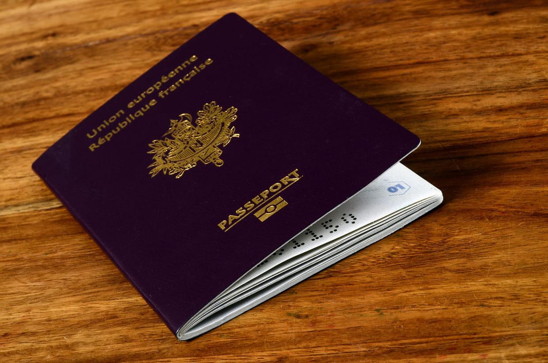 Peut-on faire son passeport en ligne en France ?